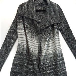Guess large grey white sweater cardigan large